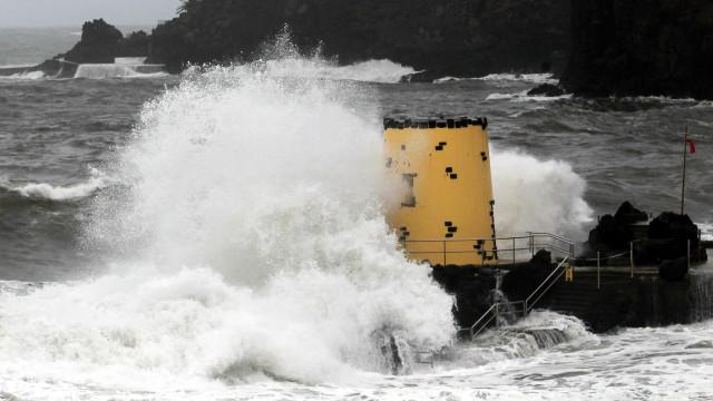 """Furacão Leslie passou na Madeira sem """"ocorrências de relevo"""""""
