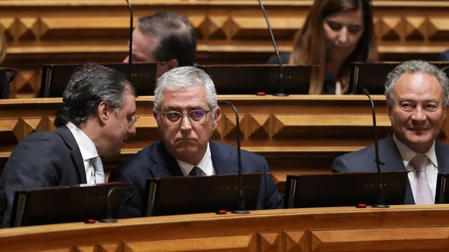 """Negrão promete oposição """"firme"""", Costa saúda """"retomar"""" da normalidade"""