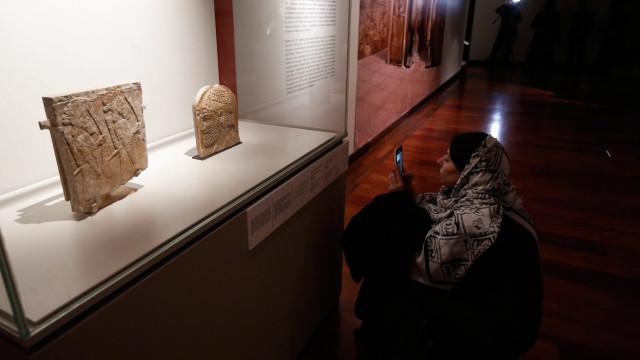 Exposição inédita do Louvre em Teerão bem recebida pelo público