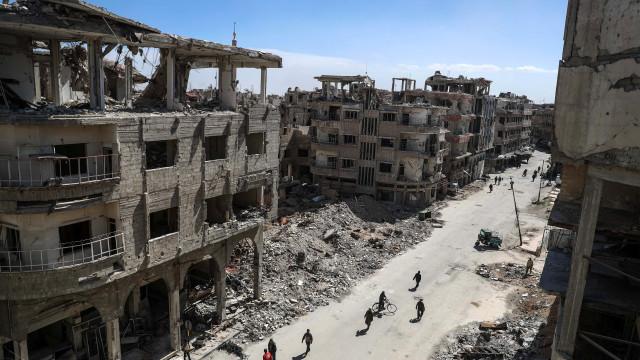 Exército sírio isola principal cidade de Ghouta e divide enclave em três