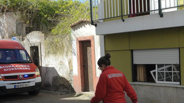 Feridos da explosão de um prédio em Peniche fora de perigo
