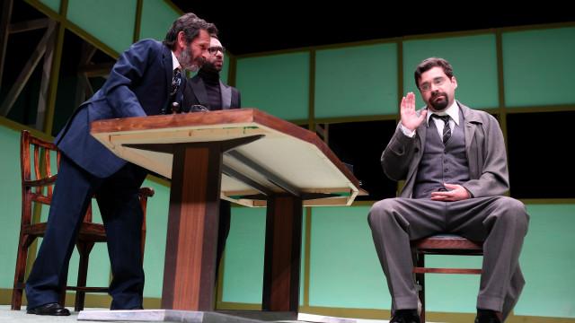 Teatro Oficina retrata discussão entre artistas e políticos