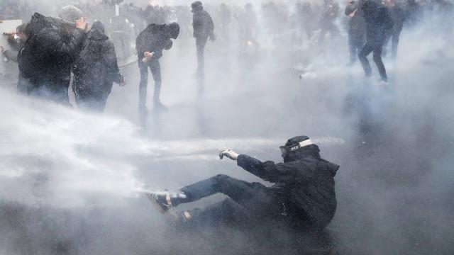 Distúrbios em manifestação em Paris contra reformas de Macron