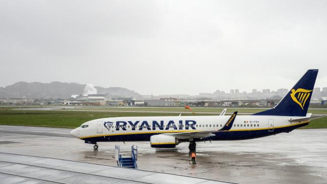 Onze voos da Ryanair cancelados em Lisboa, Porto e Faro