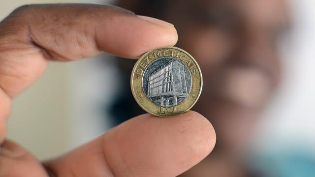 Moeda moçambicana ganha oito meticais face ao euro em três meses