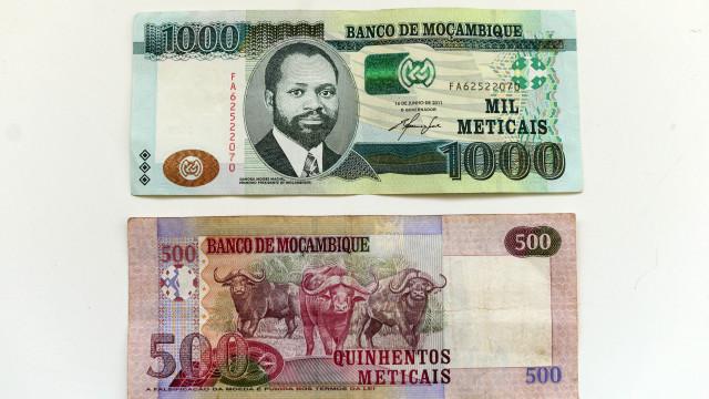 Standard Bank prevê dólar a valer cerca de 60 meticais durante este ano