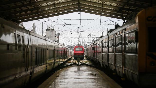 Greve deve causar perturbações na circulação de comboios a partir das 12h