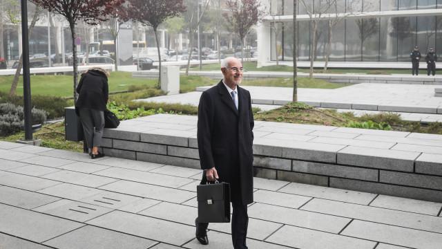 Banqueiro diz ter sugerido Proença de Carvalho para advogado de arguido