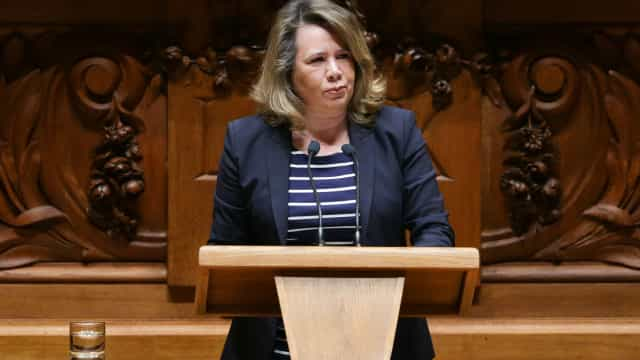 CDS promete levar a votos redução do IVA na Cultura para 6%
