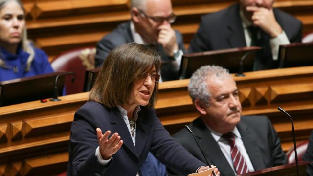"""PSD acusa Governo de """"enganar e defraudar professores"""" sobre carreiras"""