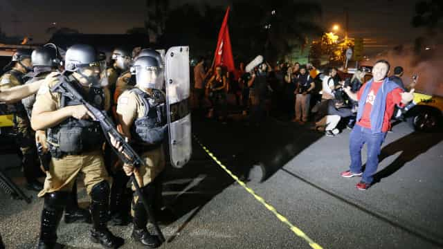 Nove feridos em incidentes à chegada de Lula da Silva à prisão