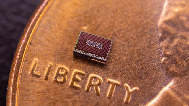 Apresentado chip implantado sob a pele que monitoriza consumo de álcool