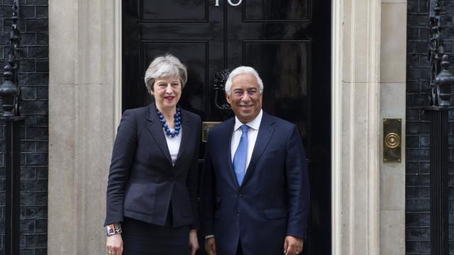 """Costa quer relação luso-britânica """"o mais próximas possível"""" após Brexit"""