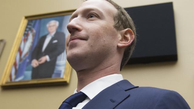 Facebook reorganiza-se mas Zuckerberg mantém-se na liderança