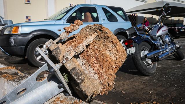 """Vento extremo em Albufeira foi um """"pequeno tornado"""""""