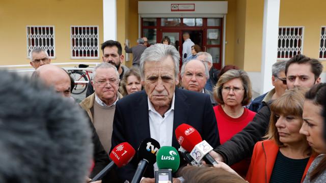 Jerónimo insiste em aumentos para a Função Pública mas admite negociar