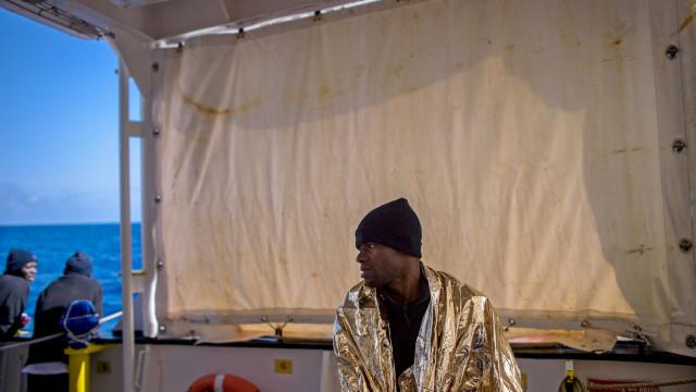 Pelo menos 11 migrantes morreram ao largo da Líbia