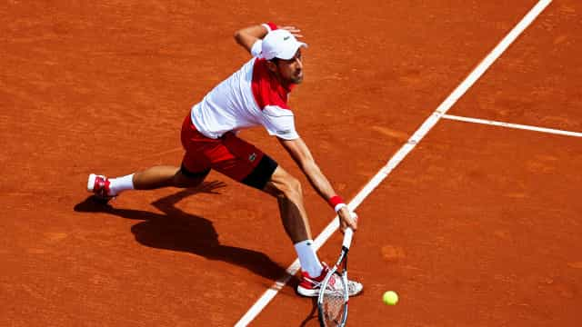 Djokovic eliminado na estreia em Barcelona