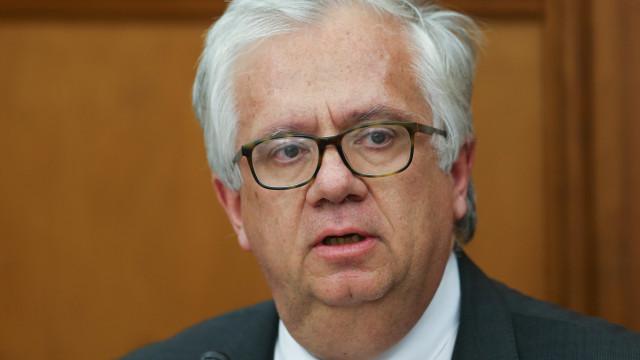 Ministro da Administração Interna acompanha fogo em Sintra-Cascais