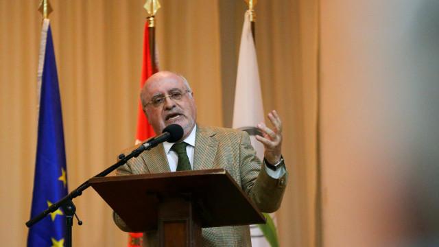 Capoulas Santos apela a esforço contra cortes na PAC