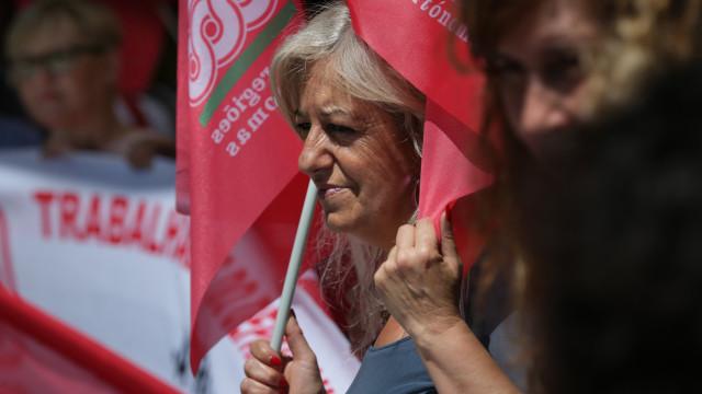 Trabalhadores dos Registos e Notariado iniciam greve de cinco dias