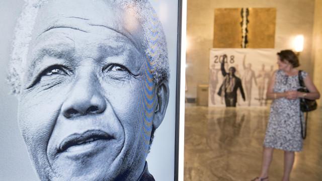 Cartas de prisão de Nelson Mandela publicadas no seu centenário