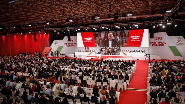 PCP critica PS e alerta contra maiorias absolutas