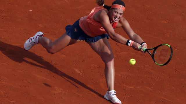 Escândalo em Roland Garros: Campeã em título cai na 1.ª ronda