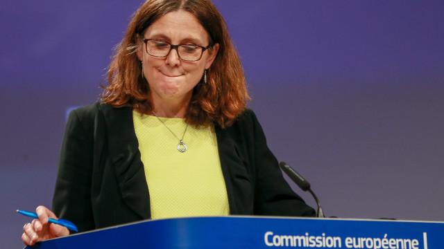 UE introduz taxas alfandegárias contra EUA já esta sexta-feira