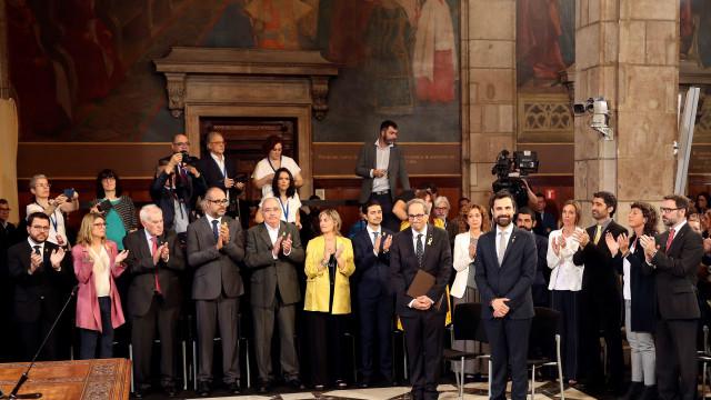 Catalunha: Novo executivo independentista tomou posse