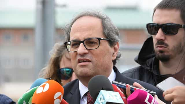 "Presidente da Catalunha avisa governo que ""não se renderá"""