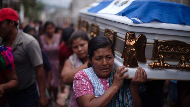 Número de mortes de erupção de vulcão na Guatemala sobe para 99