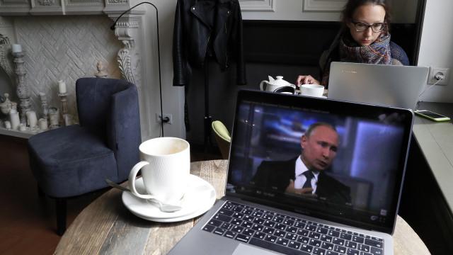Putin admite hipótese de a Rússia se descontectar da Internet global