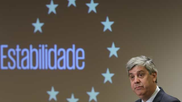 """Conclusão do resgate da Grécia marca """"final da crise do euro"""""""