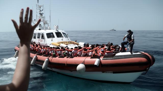 Ministro italiano chama embaixador francês devido a críticas a Aquarius