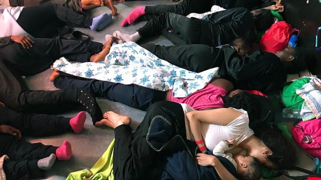 Autoridades espanholas preparadas para receber migrantes do Aquarius