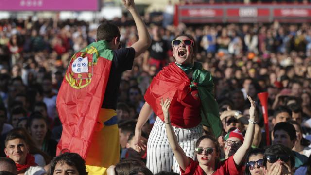 """Milhares vibraram no Porto com o """"hat-trick"""" de Cristiano Ronaldo"""