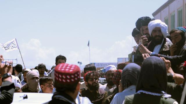Afeganistão: 25 pessoas morreram e 54 ficaram feridas em atentado