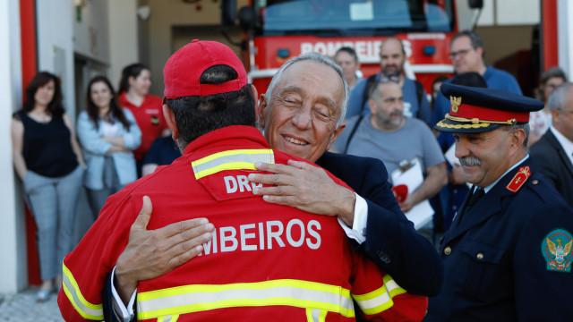 """Marcelo diz que ele e muitos portugueses já têm """"uma família"""" em Pedrógão"""
