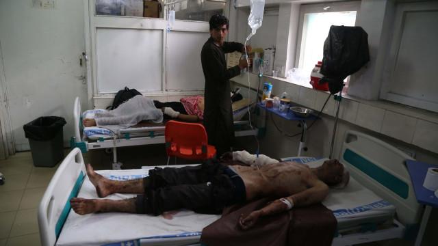 Pelo menos 18 mortos e 49 feridos em atentado suicida no Afeganistão