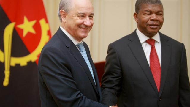 """Presidente do PSD foi a Angola """"como secretário pessoal"""" de Costa"""