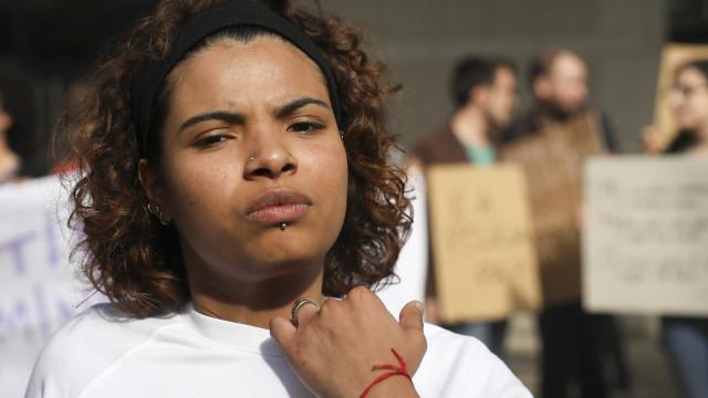 """Aberto inquérito para avaliar """"práticas policiais"""" em agressão de jovem"""