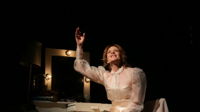 Trindade acolhe homenagem a Carmen Dolores na sala que vai ter o seu nome