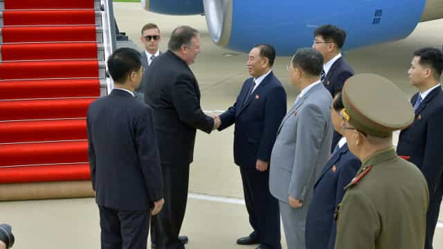 Segundo dia de Pompeo em Pyongyang para conseguir desnuclearização total
