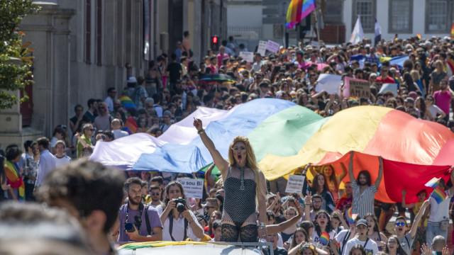 """Marcha pela autodeterminação sexual reclama """"liberdade para amar"""""""