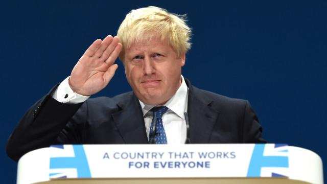 Boris Johnson demitiu-se por discordar de estratégia para o Brexit
