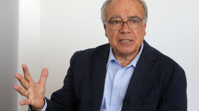 """São precisas """"duas legislaturas para inverter austeridade"""" da troika"""