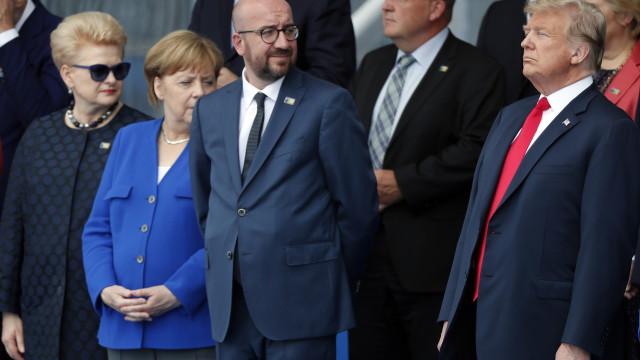 """Donald Trump destaca """"excelente relação"""" com Merkel"""