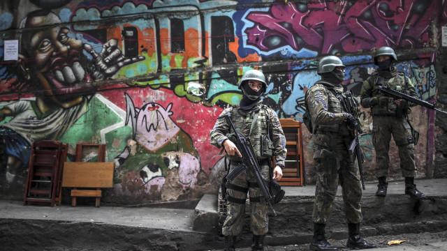 Mortes em operações policiais mais do que duplicam no Rio de Janeiro