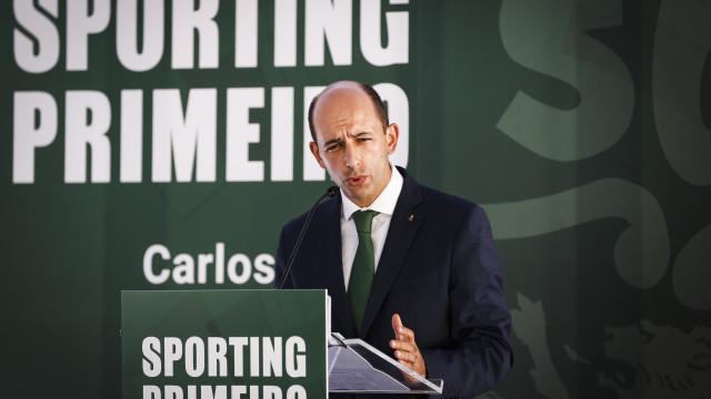 Carlos Vieira considera suspensão ilegítima e admite tribunais